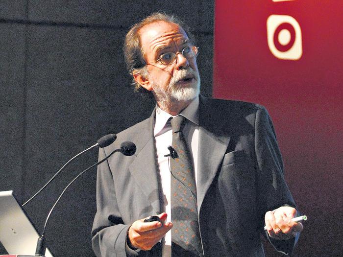 """""""Hay una fortuna dedicada a una movilización"""", dijo Javier González Fraga."""