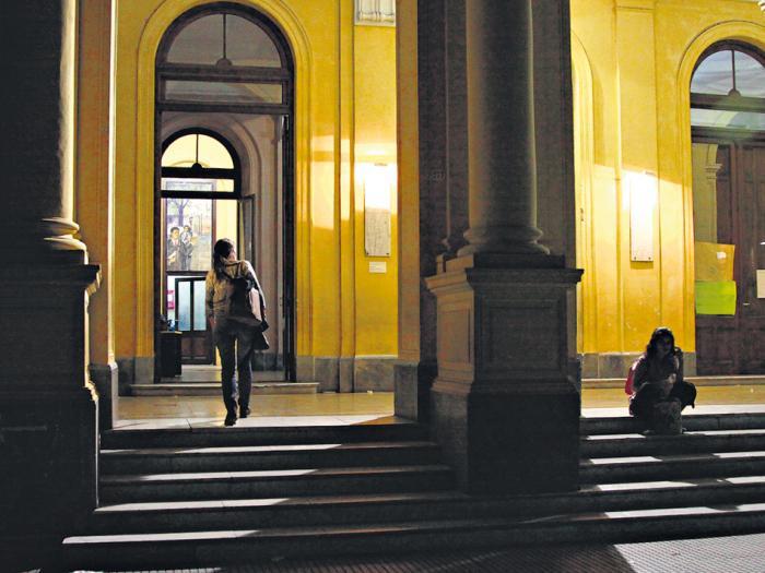 La policía ingresó en el Mariano Acosta el jueves pasado, cuando había una clase pública.