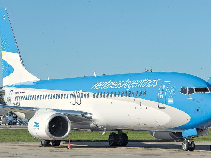 Las rutas de cabotaje autorizadas a las low cost se superponen en un 95 por ciento con las que operan Aerolíneas y Austral.