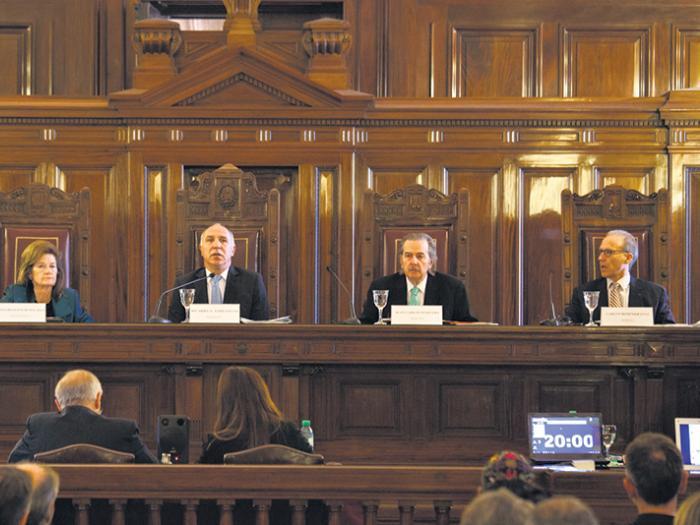 El dictamen de la fiscalía imputa a los jueces supremos que firmaron una acordada con la designación.