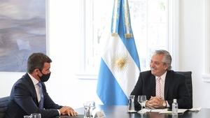 Fernández con el ceo de Ford, Martín Galdeano, durante la reunión en Olivos.