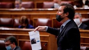 Iván Espinosa de los Monteros, portavoz parlamentario de Vox, partido denunciado por su campaña racista.