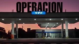 """El ministro de Economía, Martín Guzmán, en el Chaco luego de afirmar que """"el rumor es falsa"""" sobre la estatización total de YPF."""