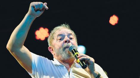 """""""Todo es tan espantoso que no sería exagerado preferir el ius in bello como forma de mejorar las chances del ex presidente"""", dice Proner sobre Lula."""
