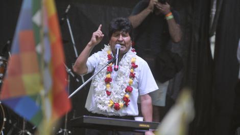 """Evo Morales en Deportivo Español: """"Vamos a recuperar la democracia y vamos a volver al gobierno"""""""