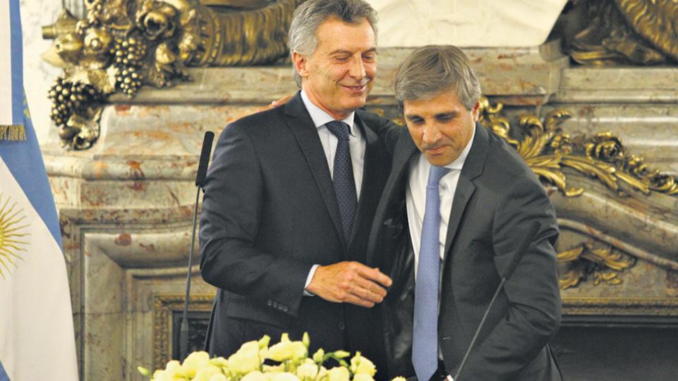Macri y Caputo siguen endeudando a los argentinos.