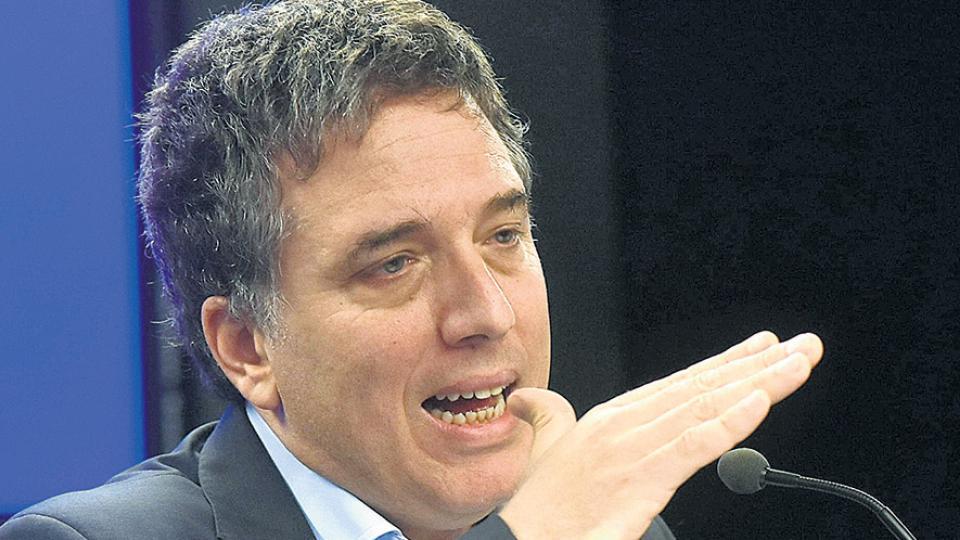 Nicolás Dujovne, ministro de Hacienda, adelanta mejorar las cuentas públicas mientras las empeora.