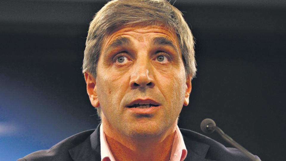El ministro de Finanzas, Luis Caputo, es el arquitecto del endeudamiento más veloz del mundo.