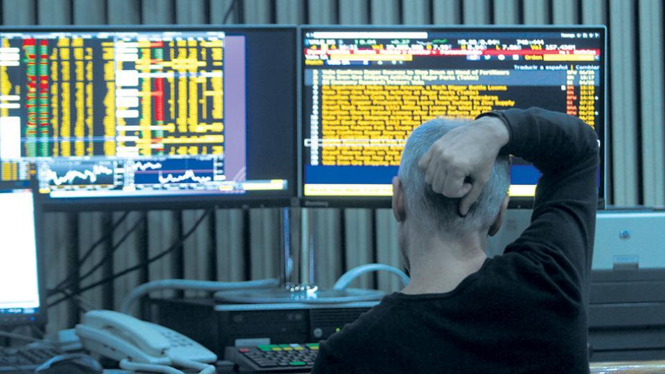 La Bolsa porteña bajó 4,8 por ciento, mientras que las acciones argentinas que cotizan en Nueva York se derrumbaron un 8 por ciento.