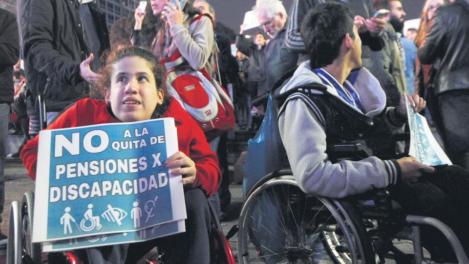 Ordenan restablecer todas las pensiones por discapacidad