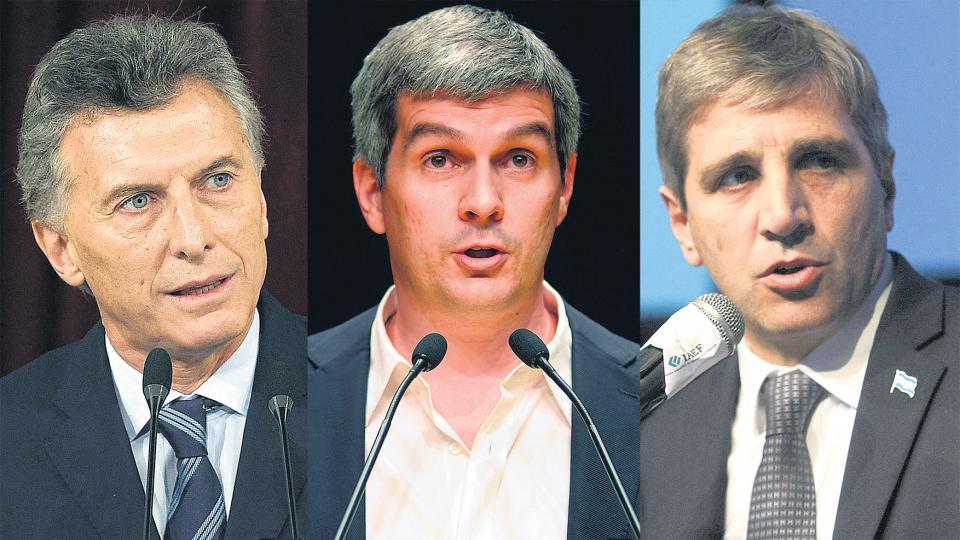 Mauricio Macri, Marcos Peña y Luis Caputo fueron denunciados, junto a Nicolás Dujovne, por la emisión de deuda a cien años.