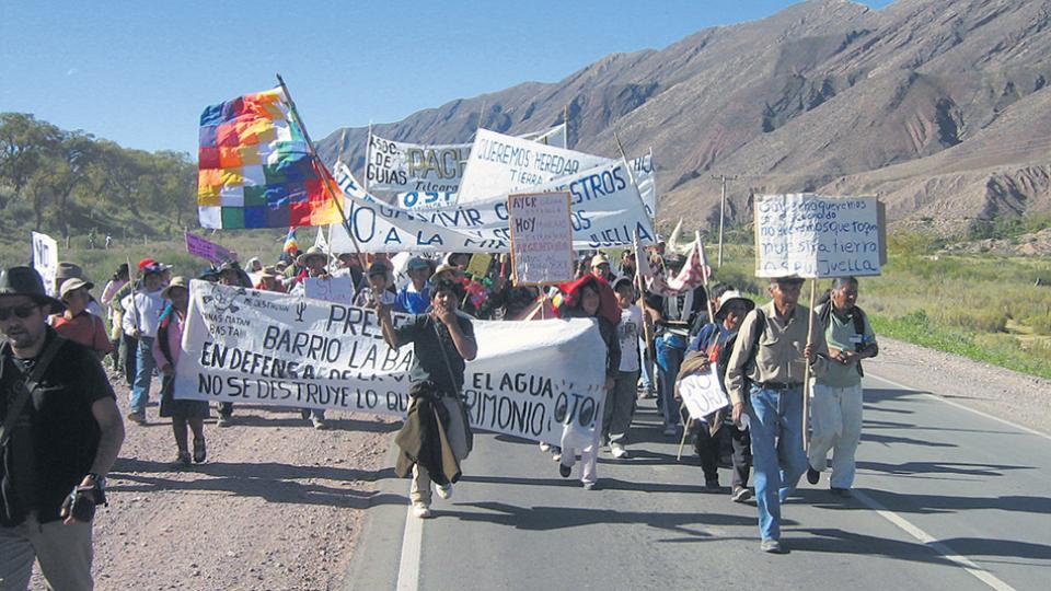 El anuncio del Acuerdo Federal Minero provocó rechazo de los pueblos originarios y organizaciones sociales.