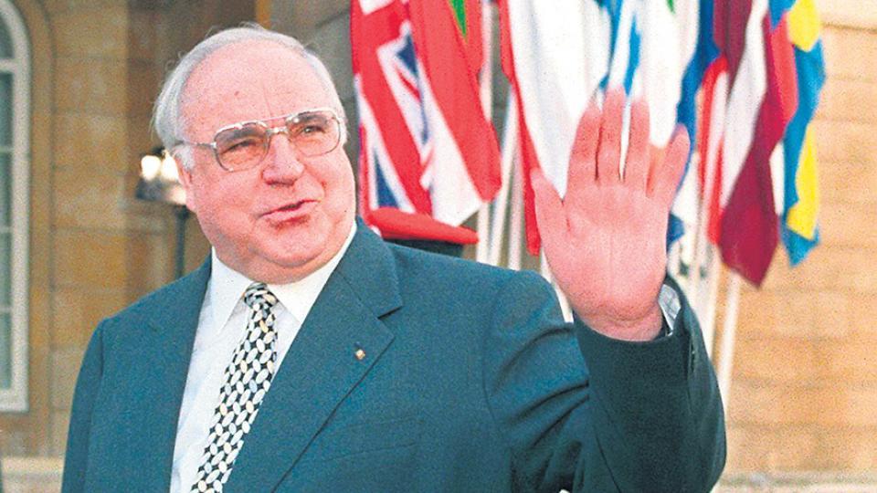 Kohl en 1998, durante una cumbre europea en Londres.