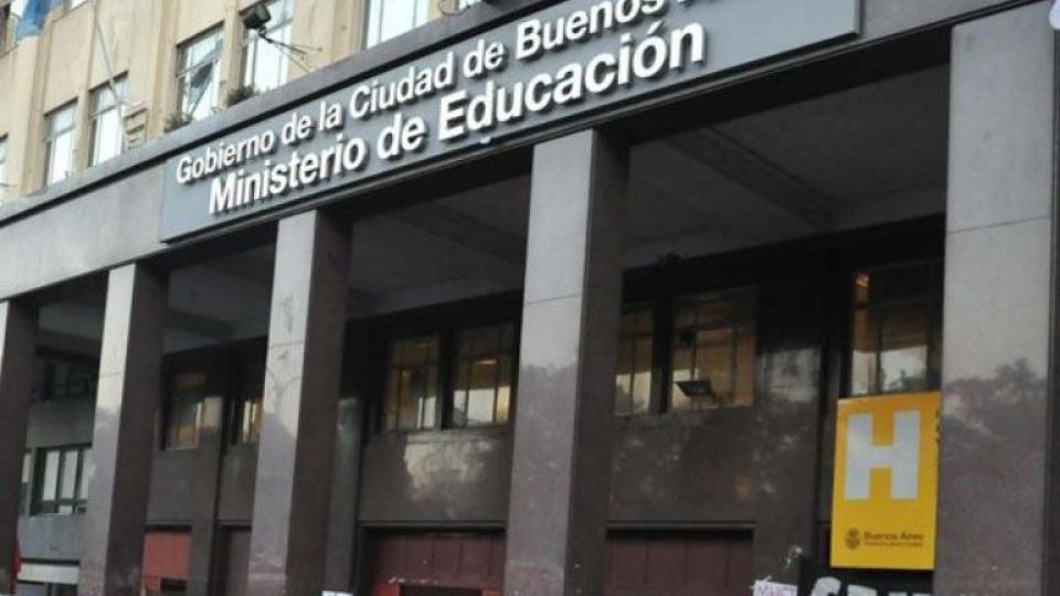 4 mil pesos ofrece el ministerio porteño de Educación a jóvenes a punto de terminar el secundario.