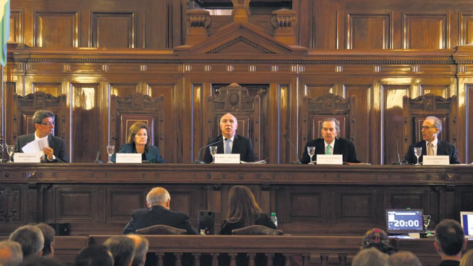 La nueva composición de la Corte Suprema generó una inédita reacción popular por su decisión.