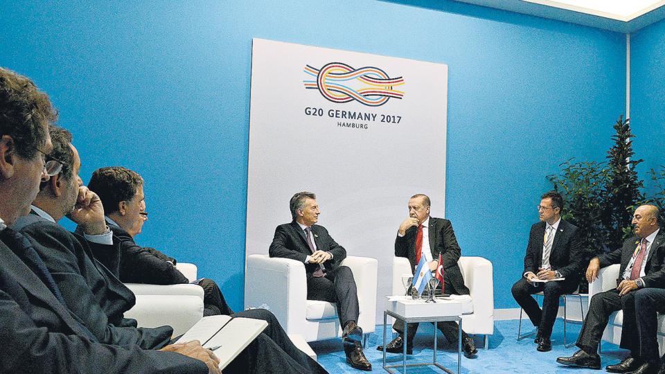 Mauricio Macri con el turco Recep Erdogan, uno de los presidentes que sí le hizo lugar en su agenda.
