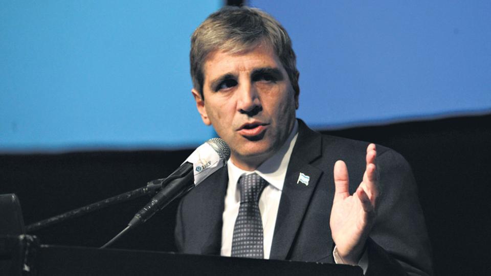 El ministro Luis Caputo quiere realizar otra megaemisión de deuda externa en Estados Unidos.