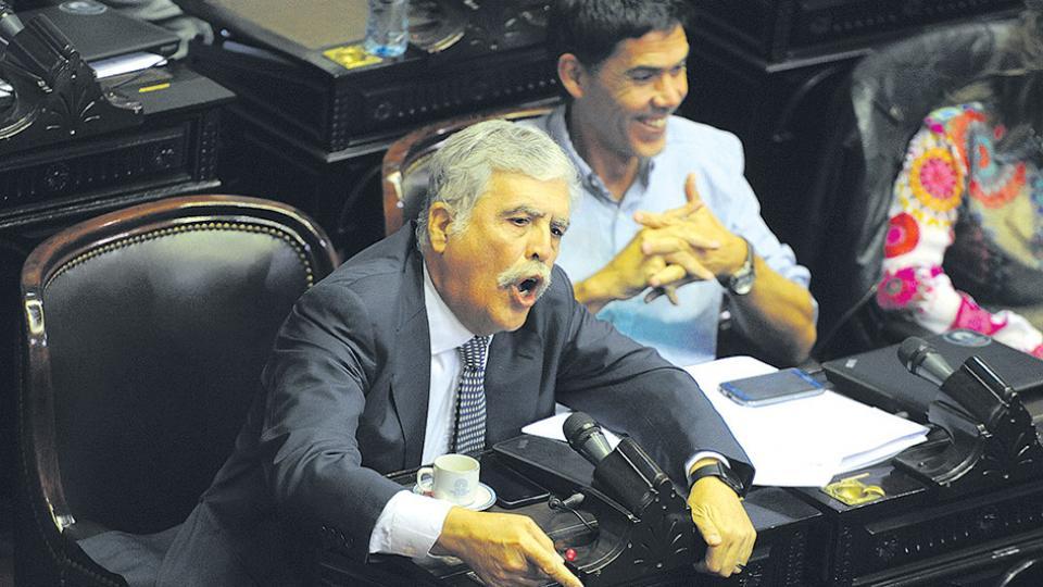 El diputado Julio De Vido en el centro de la escena                  por su rol como ministro de Planificación.