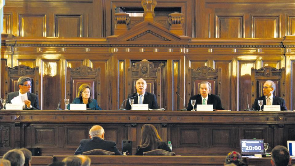 El DNU de Macri que mutiló la ley de comunicación audiovisual llega a la Corte Suprema