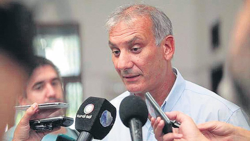 Gustavo Blanco acostumbra proferir frases                    polémicas y discriminatorias.
