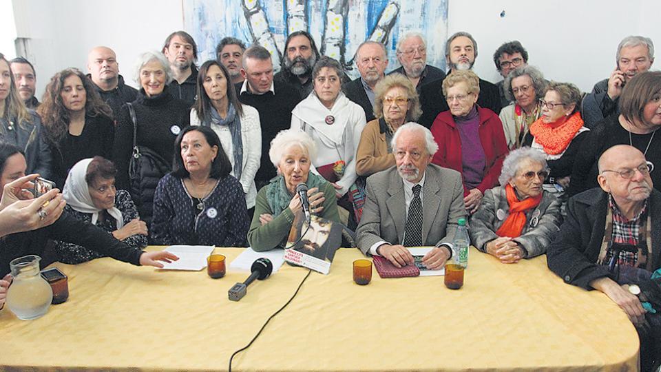 Abuelas y Madres Línea Fundadora, Familiares, el CELS y la APDH encabezaron la conferencia de prensa.