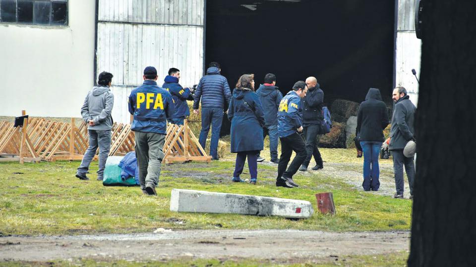 El jueves en Gendarmería se recogieron muestras de cabellos, sogas y sangre.
