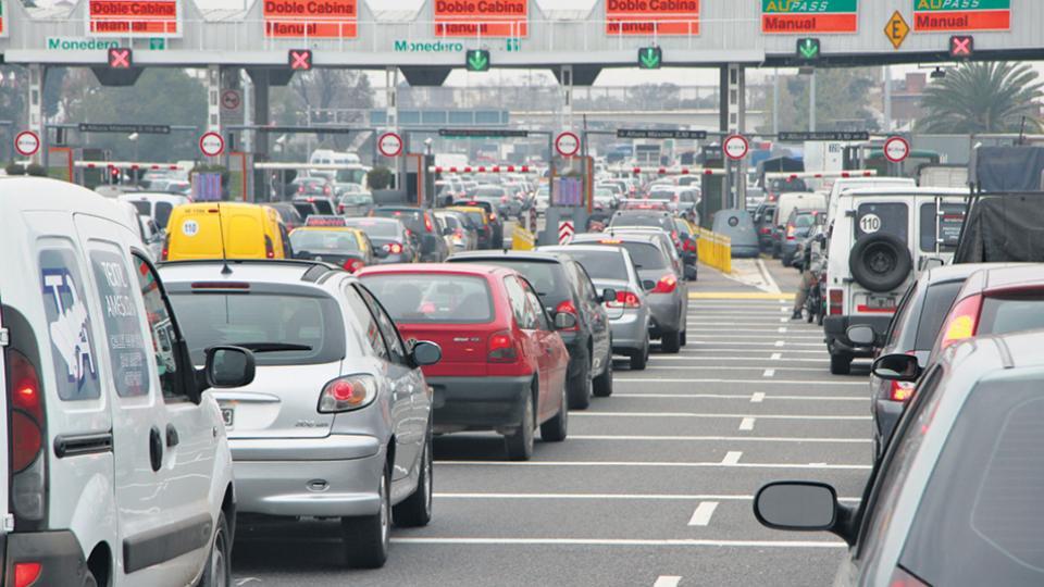 El costo del peaje para una persona que usa el auto para ir al trabajo se redujo ahora de 2200 a 1544 pesos mensuales.