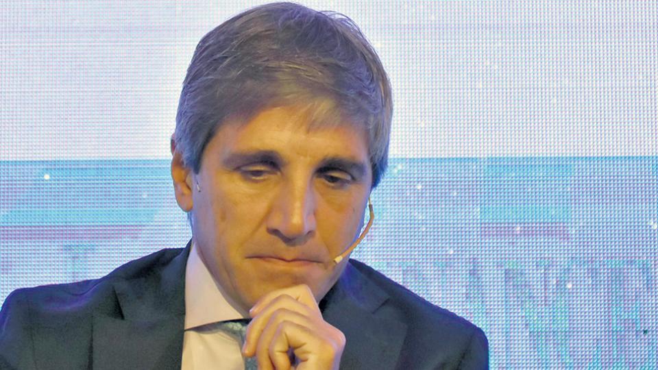 Luis Caputo, ministro de Finanzas y endeudamiento. Una gestión que será recordada por muchos años.