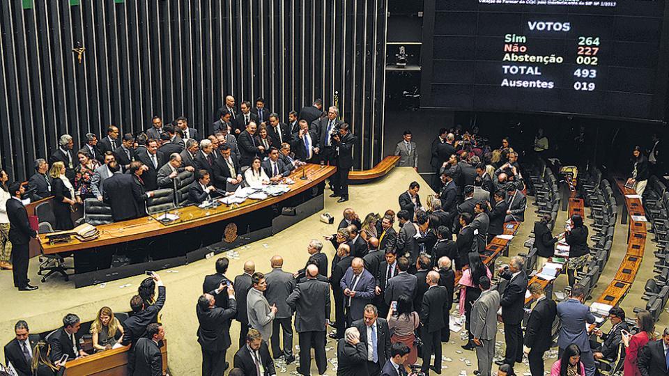 La votación en el Parlamento brasileño favoreció a Temer.