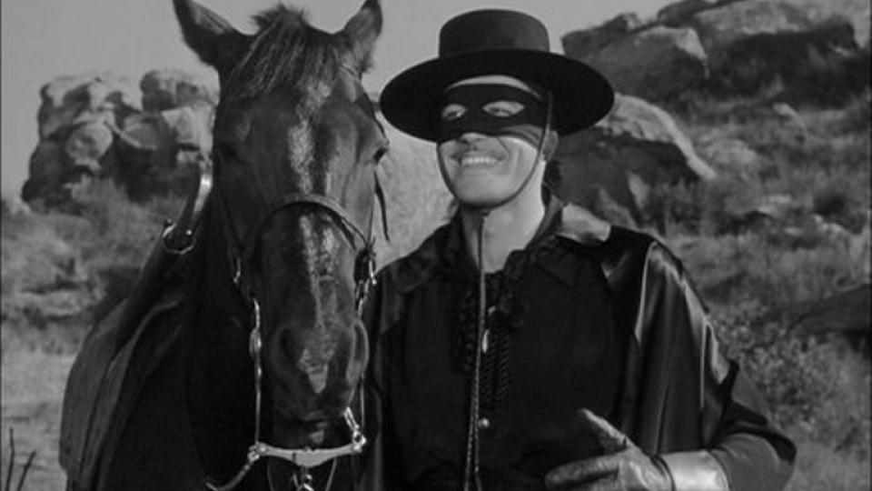 Proponen erigir una estatua del Zorro
