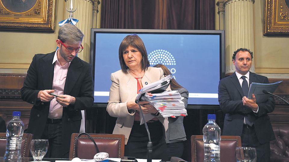Al igual que ante la CIDH, la ministra Patricia Bullrich negó en el Senado cualquier responsabilidad de la Gendarmería por la desaparición de Maldonado.