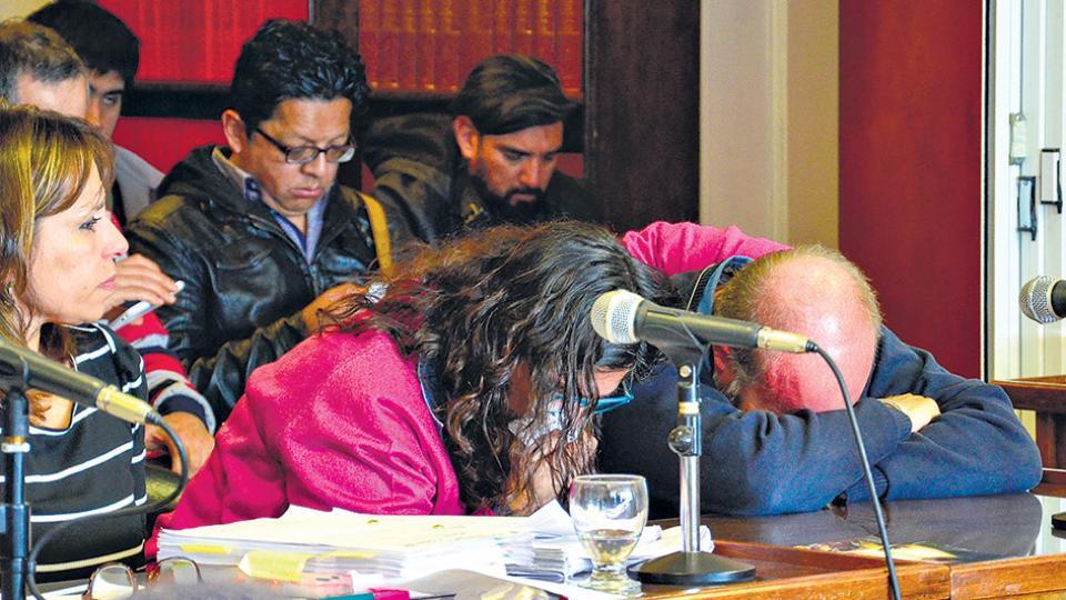 Sergio Maldonado y su esposa se emocionaron en un momento de la audiencia en la Cámara de Comodoro Rivadavia.