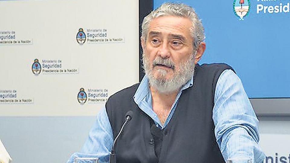 """""""Si nosotros no podemos salir juntos de este barco, encalla"""", les dijo Daniel Barberis a los gendarmes."""