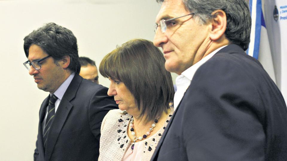 Germán Garavano y Claudio Avruj junto a Patricia Bullrich