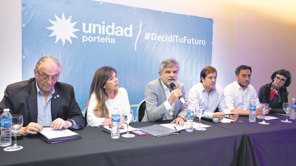Los candidatos de Unidad Porteña hicieron la presentación ayer en un local en San Telmo.