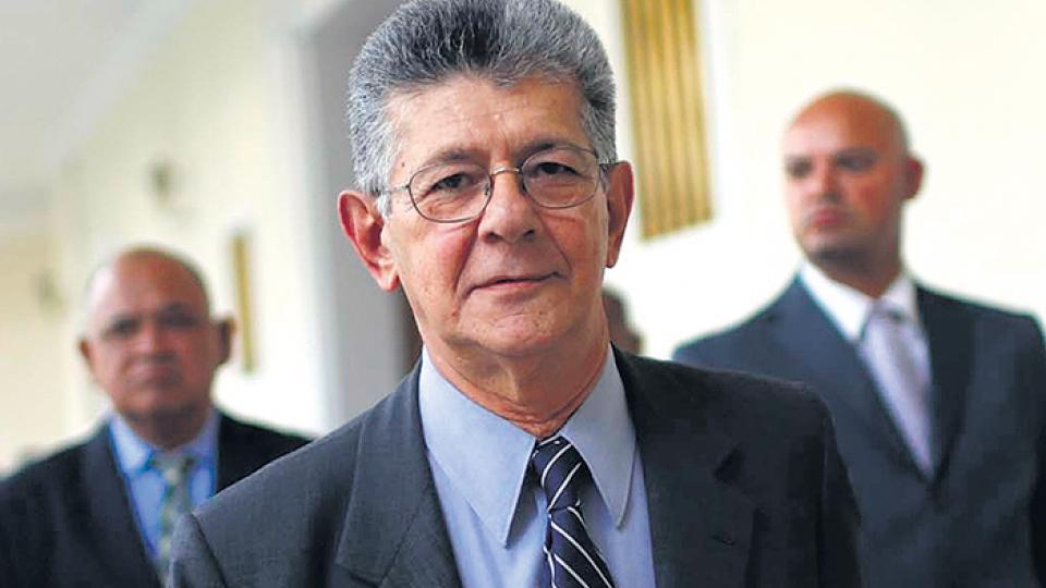 Henry Ramos Allup es un referente del partido tradicional Acción Democrática.
