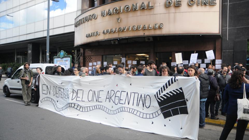 Continúa el estado de alerta y movilización en el Incaa