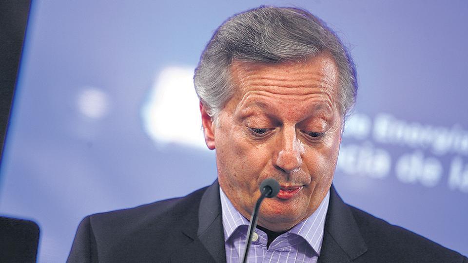 Juan José Aranguren, ministro de Energía, dispuso aumentos semestrales de gas hasta 2019.