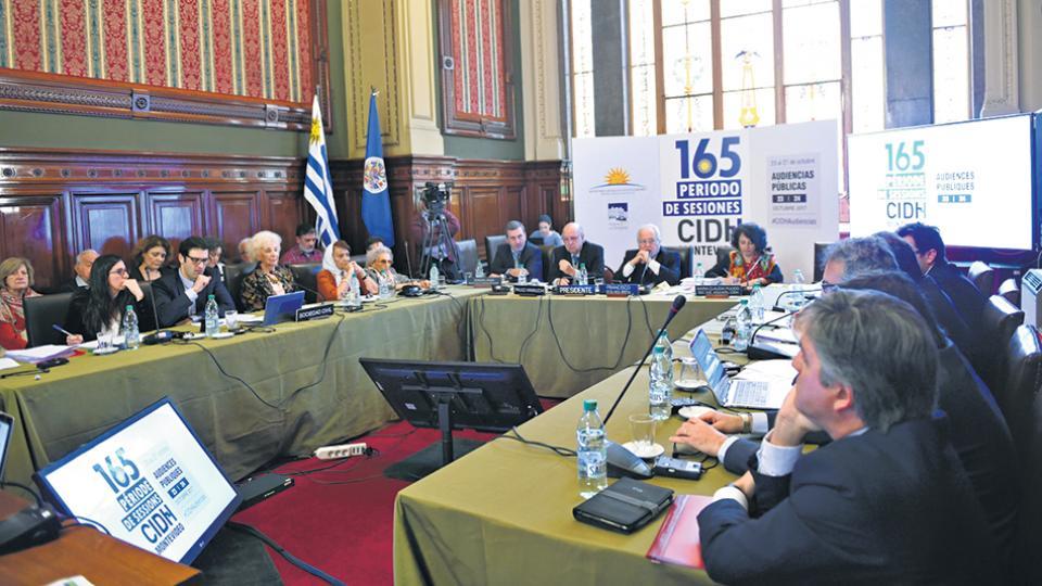 La audiencia de la CIDH se hizo a la sala llena en el Palacio Legislativo uruguayo.