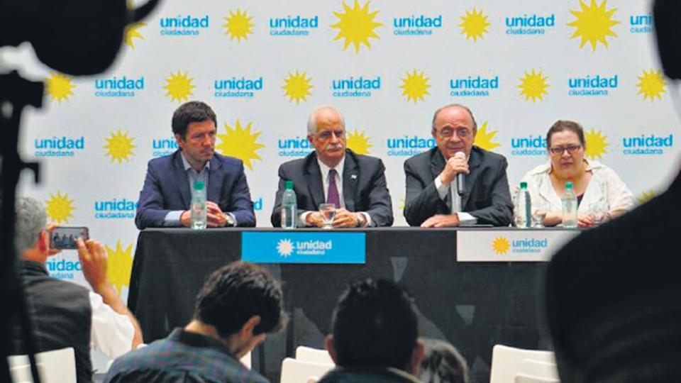 Jorge Taiana, Leopoldo Moreau y los apoderados de Unidad Ciudadana hablaron en el Instituto Patria.