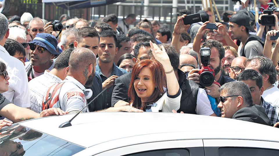 Cristina Kirchner afirmó que el Gobierno usa el Poder Judicial para perseguir a los opositores.