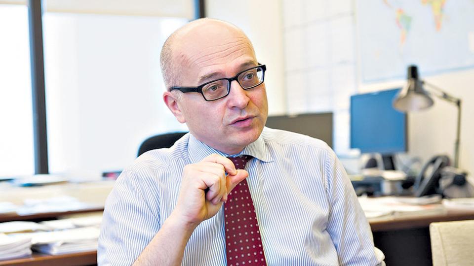 La comitiva está encabezada por el economista Roberto Cardarelli.