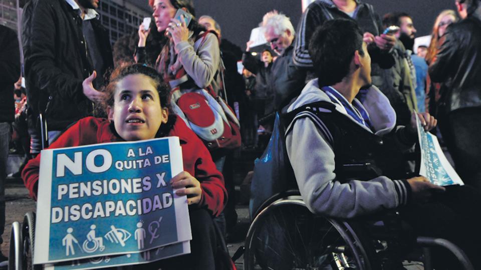 La inmensa mayoría de las pensiones por invalidez dadas de bajas no fueron restablecidas pese a la promesa oficial.