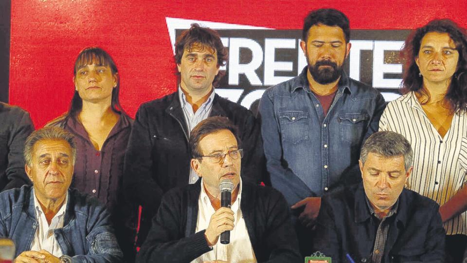 """Los dirigentes del FIT rechazaron que el Gobierno tuviera desde ayer """"un cheque en blanco""""."""