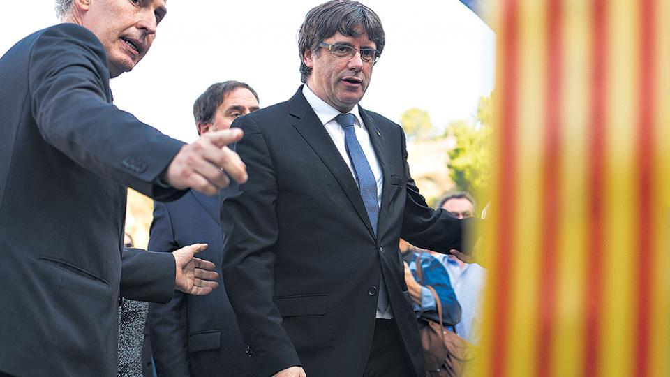 Rajoy reitera su ultimátum a Puigdemont