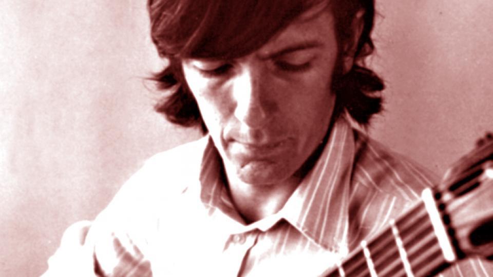 Su discografía comienza en 1963, con Canciones folklóricas y seis impresiones para canto y guitarra.