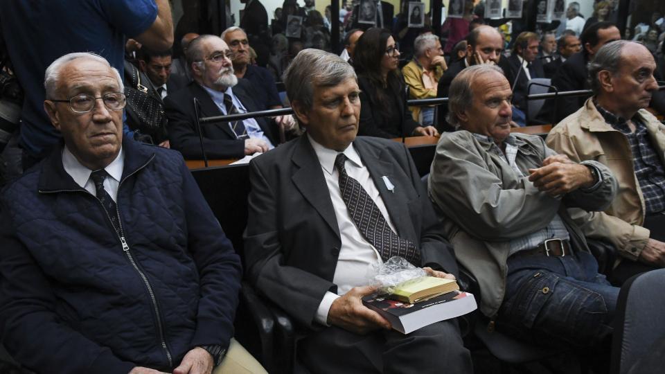 """Buenos Aires: Astiz y el """"Tigre"""" Acosta fueron condenados a prisión perpetua por crímenes en la ESMA"""