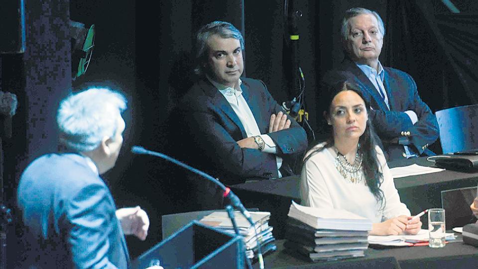 Los consumidores le recriminaron a Aranguren en la audiencia que en los hechos el nuevo requisito elimina el beneficio.