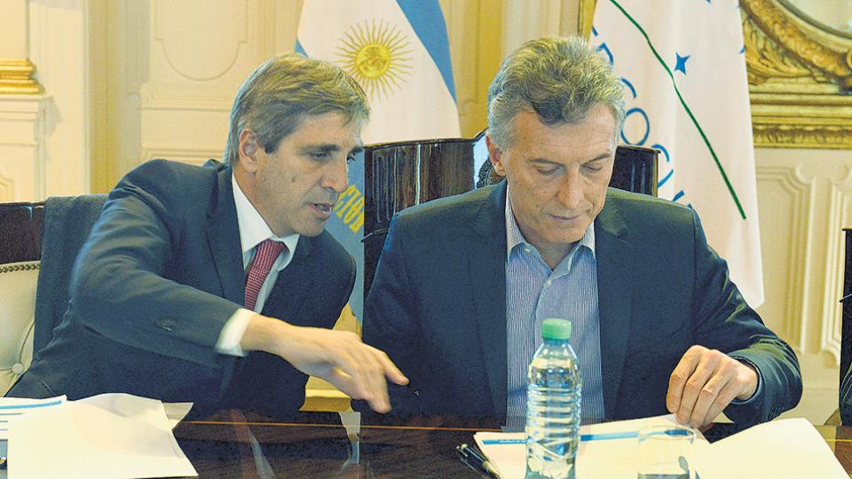 Los negocios offshore del ministro Caputo