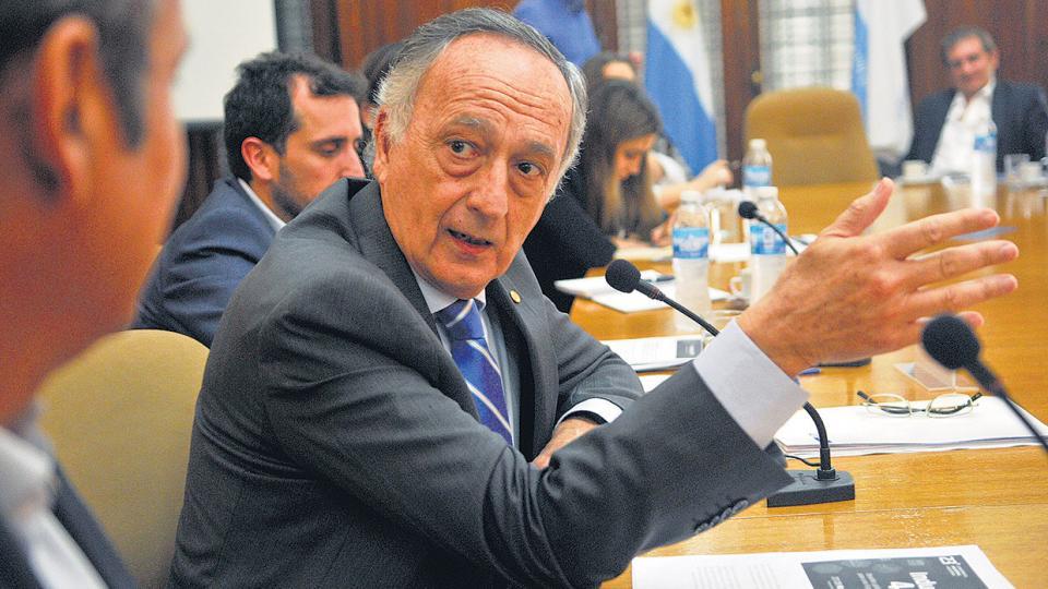 """""""No le tengo miedo a la flexibilización"""", sostuvo Miguel Acevedo, titular de la UIA."""